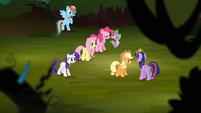 Applejack 'Princess Celestia and Princess Luna are gone' S4E02