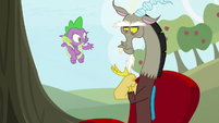 Discord reattaching his left hand S9E23