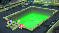 Green slime draining out of the pit S7E25