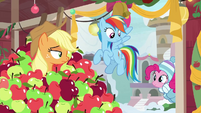 Pinkie appears at Applejack's classroom BGES1
