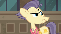 Pouch Pony looking back at Maud Pie S6E3
