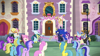 Princess Luna having trouble cutting the ribbon S7E10