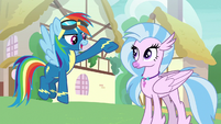 Rainbow Dash congratulating Silverstream S9E3