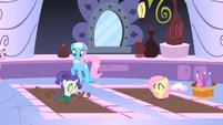 Rarity and Fluttershy getting a seaweed wrap S1E20