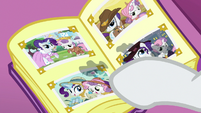 Rarity pointing to stylish safari photo S7E6