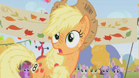 Scruffy Applejack looking surprised S01E13