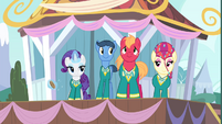 The Ponytones dancing S4E14