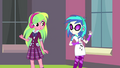 DJ Pon-3 and Lemon Zest look at each other EG3b.png