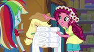 Gloriosa Daisy giving Applejack a new hat EG4