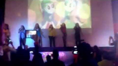 """Las """"Mane 6"""" en la Fluttycon 2014 (720p)"""