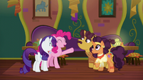 Pinkie Pie initiates a group hug S6E12
