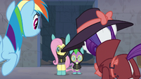 Rarity double-takes at Fluttershy and Spike S9E4