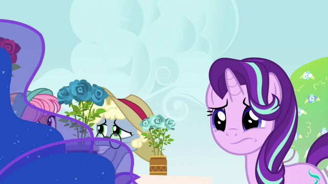 File:Starlight Glimmer worried about Princess Luna S7E10.png