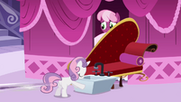 Sweetie Belle blocking Cheerilee with sink S2E17