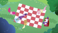 Twilight Sparkle putting hoof on Rainbow Dash S2E03