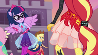 Twilight looking at Sunset Shimmer EGFF