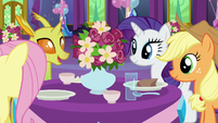 AJ, Fluttershy, Rarity, and a changeling talking S7E1