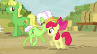 Apple Bloom and Auntie Applesauce do-si-do S3E8