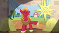 "Big Mac singing ""watch the sunset from the field"" S7E8.png"