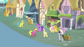 Crowd of ponies singing S4E12.png
