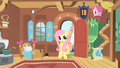 Fluttershy takes Philomena home S01E22.png