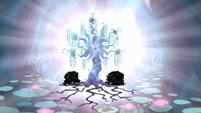 Harmony Tree shining S04E02