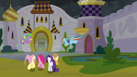 Main ponies and Spike leaving Canterlot S9E25