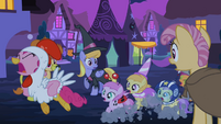 Pinkie Pie and foals running away S2E04