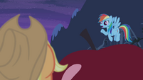 Rainbow Dash sympathizing with Applejack S4E07