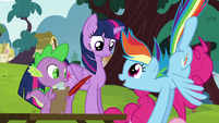 Rainbow pushing Pinkie down S5E22