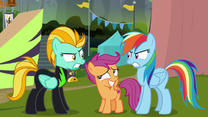Rainbow vs. Lightning; Scootaloo in the middle S8E20
