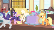 Rarity runs with her new clothing line S4E08