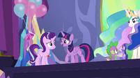 Twilight Sparkle congratulates Starlight S7E1
