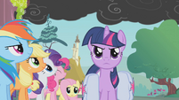 Twilight addresses her friends S1E07