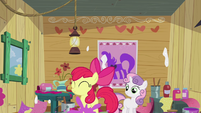 Apple Bloom stomping paint S2E17
