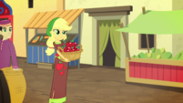 Applejack carrying a basket of apples EGS2