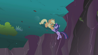 Applejack slides down to Twilight S1E02