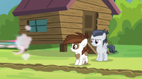 Camper filly speeds away S7E21