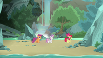 Cutie Mark Crusaders looking for Terramar S8E6