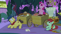 "Pinkie ""official food-tasting business!"" S9E17"