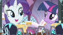 "Rarity ""change my design for your gown"" S9E26"