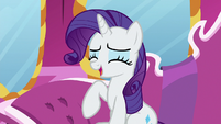Rarity laughing S7E5
