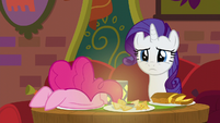 Rarity listening to Coriander and Saffron S6E12