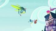 S08E01 Insekt-Ocelka i uczniowie wracają do szkoły
