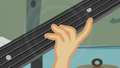 Applejack's hand on guitar neck EG2.png