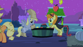 Derpy hooves apples S2E4.png