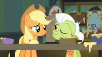 Granny Smith winks at Applejack S03E09