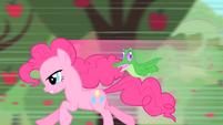 Pinkie Pie running S1E25