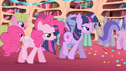 1000px-Pinkie Pie with Twilight S01E01