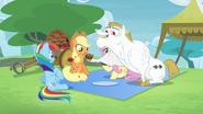S04E10 Bulk proponuje Rainbow muffinkę